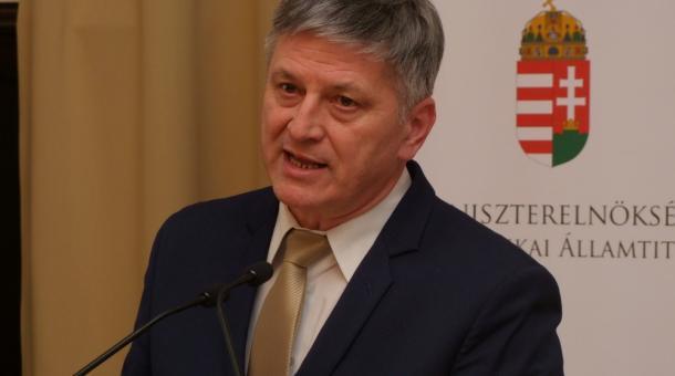 Grezsa István miniszteri biztos